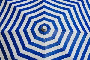 Optez pour des parasols publicitaires pour promouvoir votre entreprise