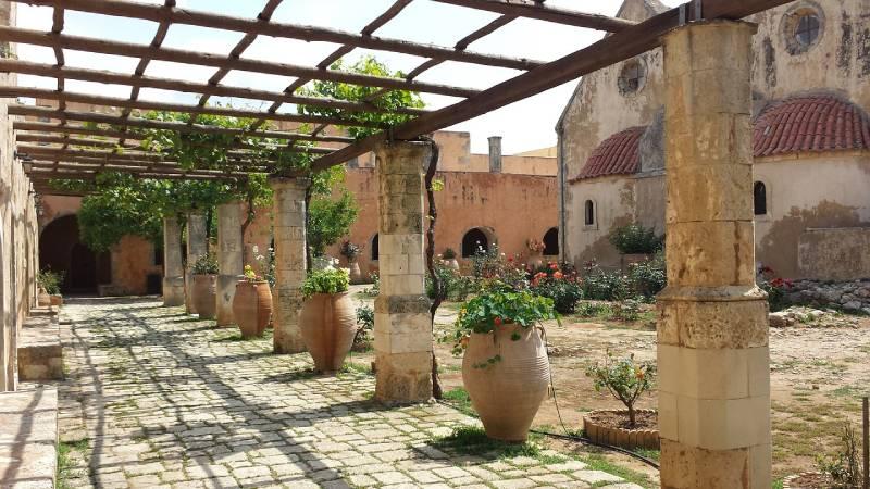 pergola colonne et plantes