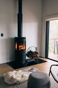 Comment installer un poêle à bois sans conduit de cheminée ?
